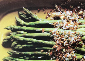 Asparagus with Mimosa Topping