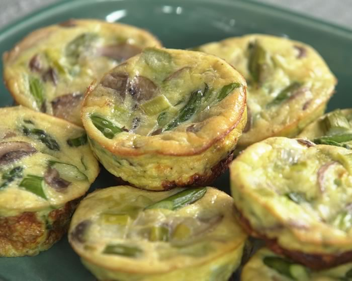 Mini Frittatas with Leeks and Asparagus