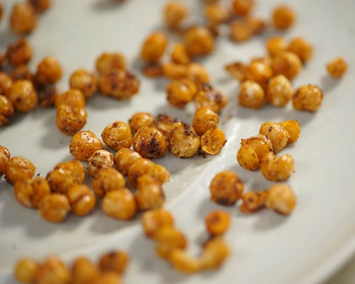 3-Ingredient Sweet and Spicy Chickpeas